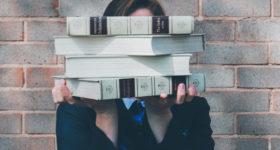 Englischkenntnisse Bücher Schülerin